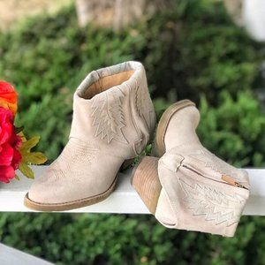 Women's Modern Vice Blush Spirit Suede Ankle Boots